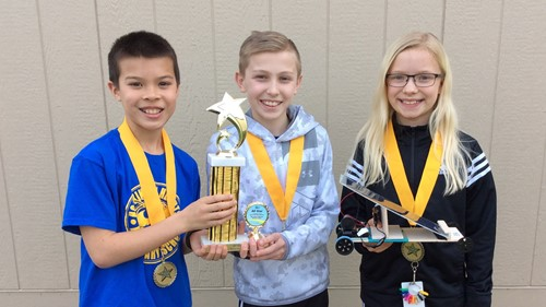 HHES Solar Solvers team displays their trophy