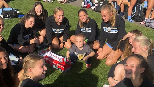 Video: Soccer team dedicates season to Camas boy - Hockinson